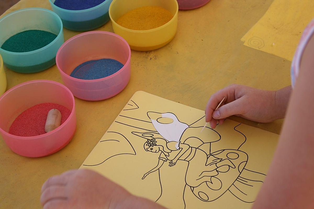 легко получите картинки из цветного песка фотографии